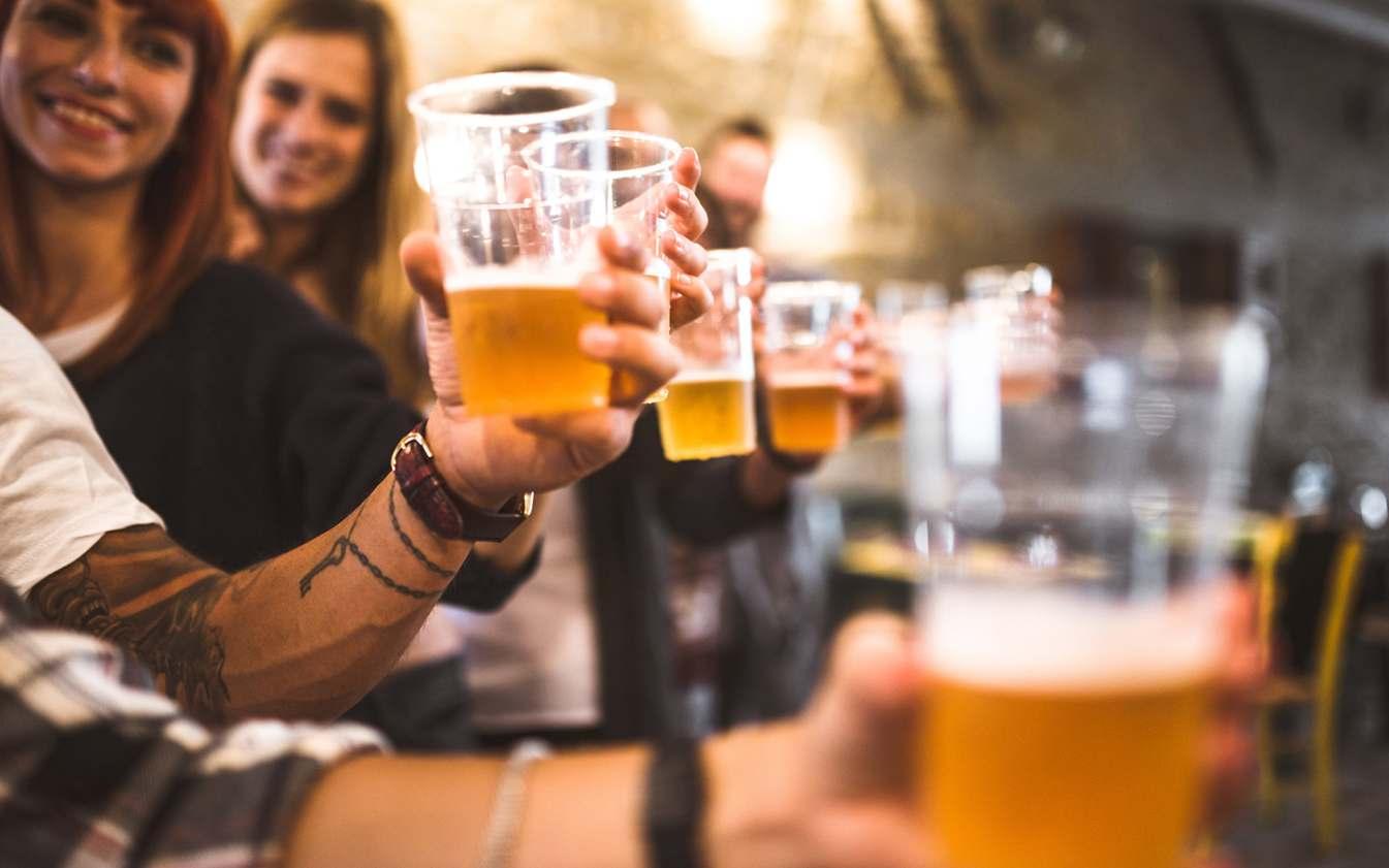 Пластиковые стаканы для пива