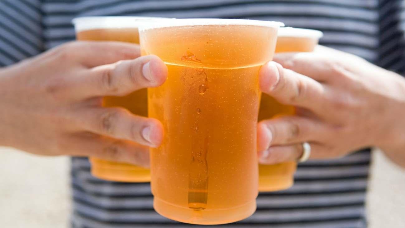 купить пластиковые стаканы для пива 0.5 литра